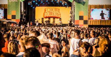 OOK SNOLLEBOLLEKES, SUZAN & FREEK EN NICK & SIMON OP STRANDFESTIVAL ZAND 2020